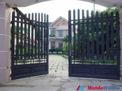 Cửa cổng tự đóng mở