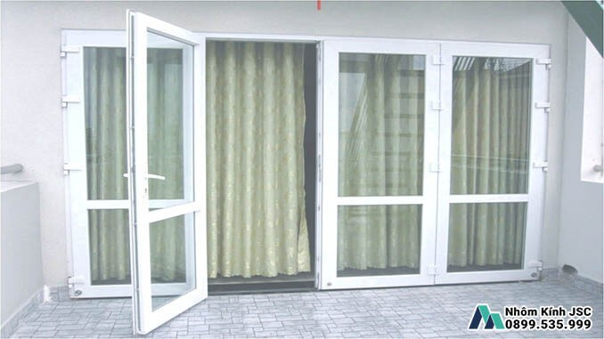 Cửa Nhôm Xingfa 4 Cánh Cửa Đi Lại Phổ Biến Nhất Năm 2021 - Nhôm Kính JSC Đã Thi Công