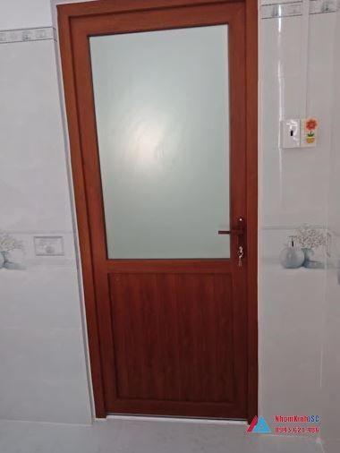 cửa nhôm kính nhà tắm